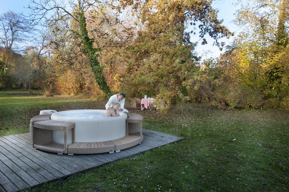 Wellness whirlpool sauna pool b der ausstellung m nster - Whirlpool temperatur sommer ...