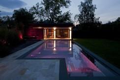 Design Saunahaus und Design Schwimmbad / Pool