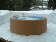 Softub Whirlpool auch im Schnee genießen. Im Winter im Whirlpool ist Entspannung PUR!