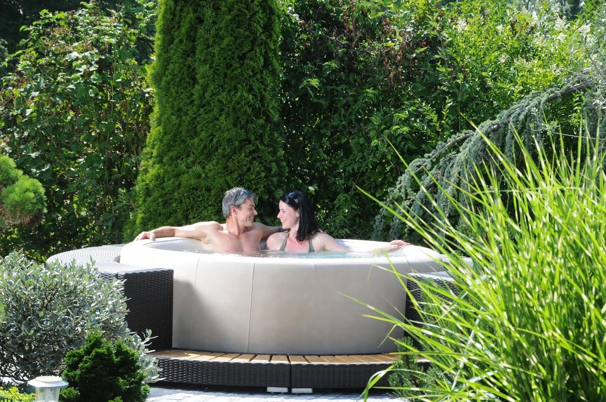 Wellness-whirlpool-sauna-pool-bäder-ausstellung Münster Outdoor Whirlpool Wellness Eigenen Garten