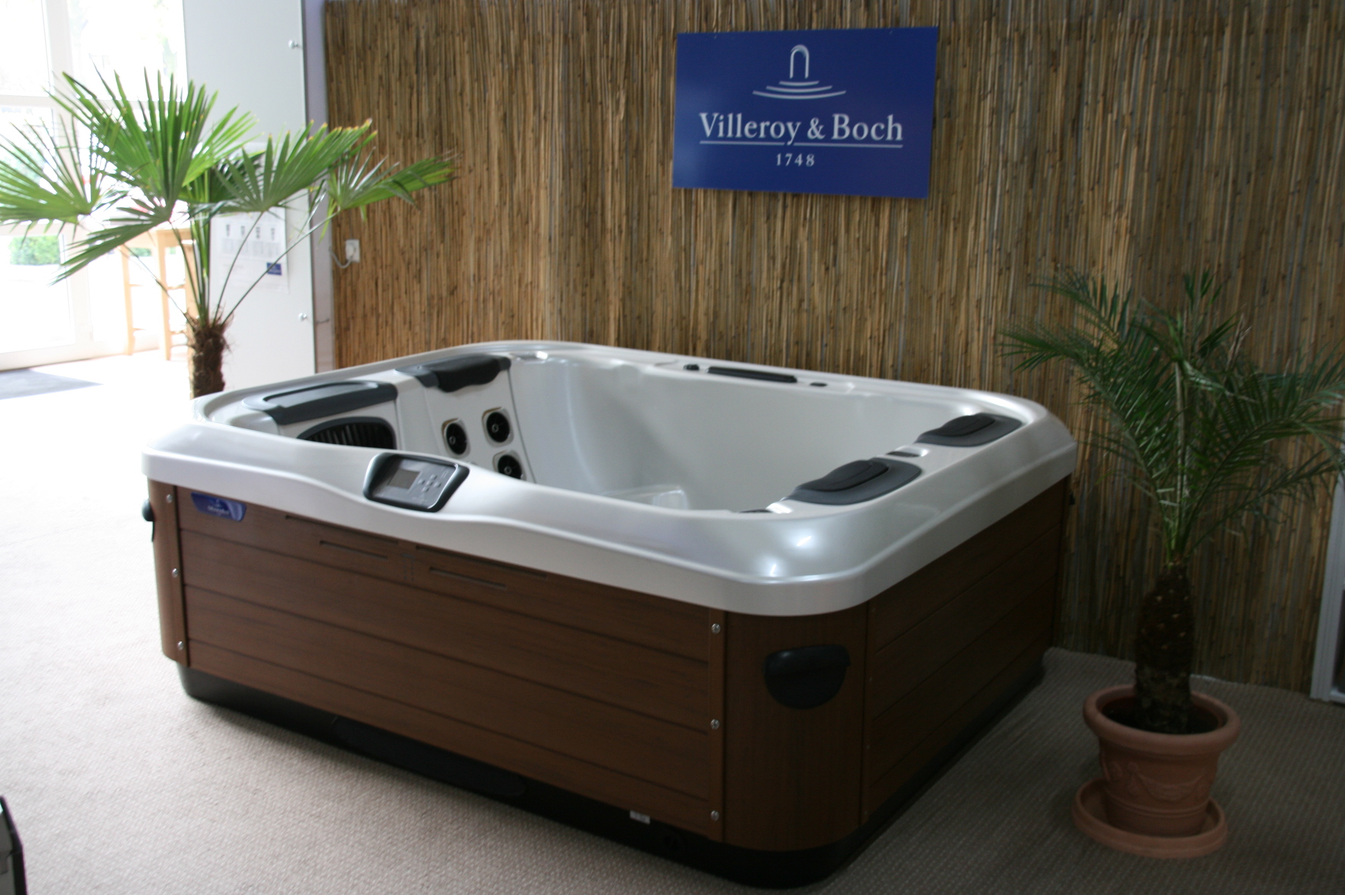 wellness whirlpool sauna pool b der ausstellung m nster. Black Bedroom Furniture Sets. Home Design Ideas